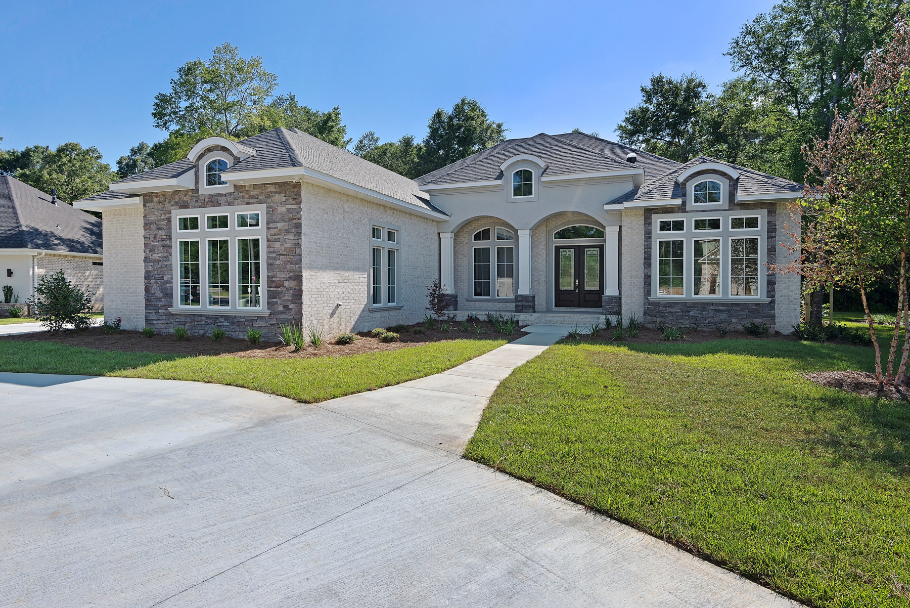 Listings archive classic homes of pensacola for Classic house loop